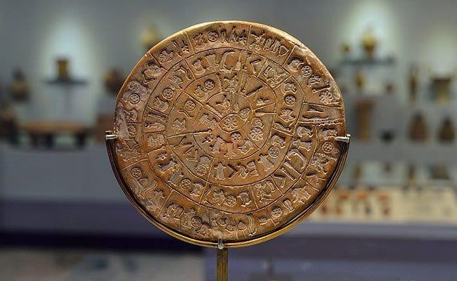 The Phestos disk in Phestos