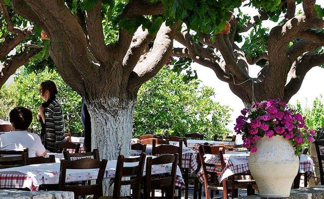 Local Taverna in Margarites