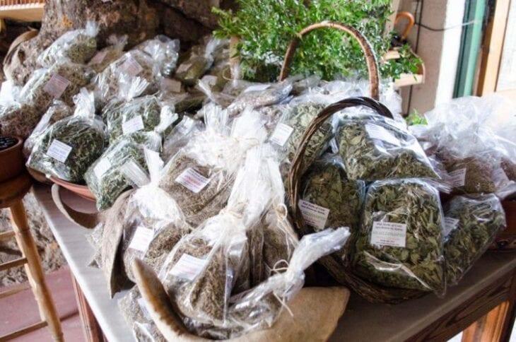 Tea & Herbs in Chania Markets
