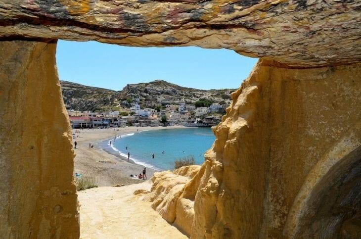 Les Grottes de Crète
