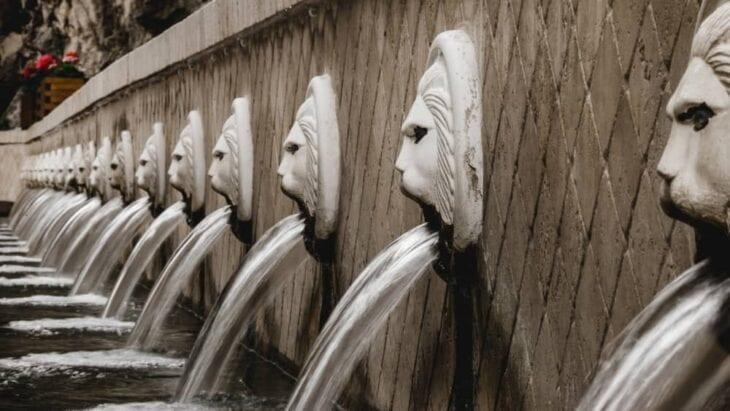 fontana del Leone di Spili