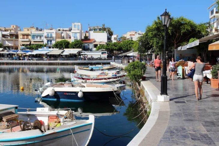 Walk around Agios Nikolaos lake