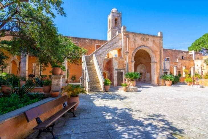 Μοναστήρια Αγίας Τριάδας