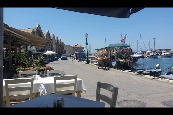 Seafront Restaurant in Chania - Neoria