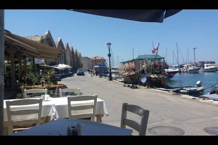 Restaurant direkt am Meer in Chania - Neoria