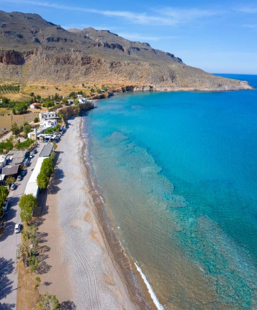 Longue plage à Zakros