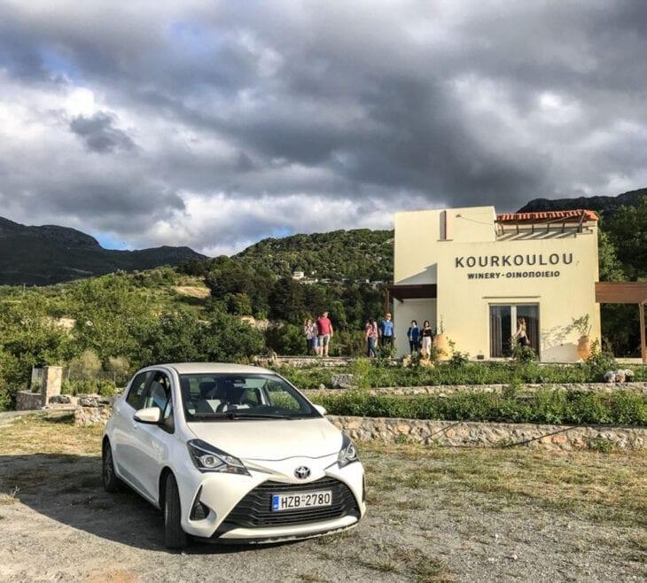 Huurauto in Kourkoulou Wijnmakerij