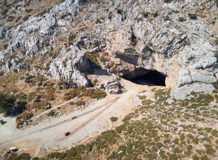 Jaskinia Ideon