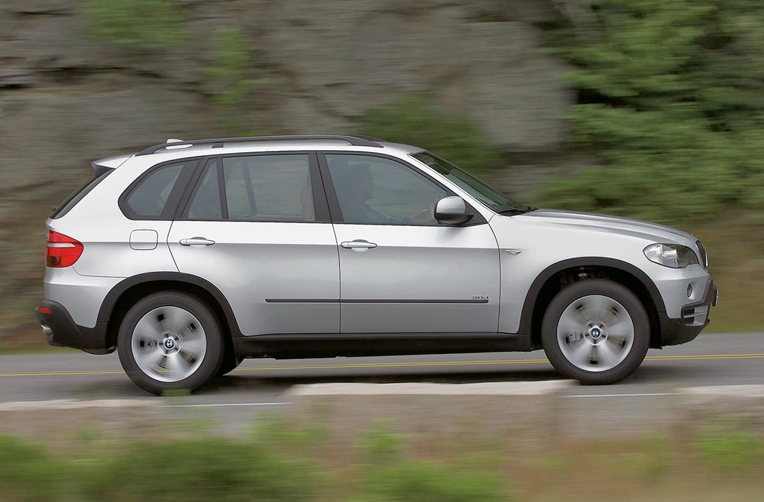 bmw x5 gruppe j suv large mietwagen justrentals. Black Bedroom Furniture Sets. Home Design Ideas