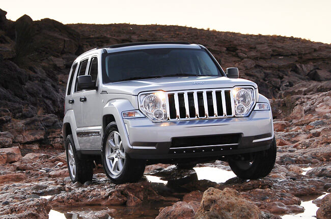 Jeep Cherokee SUV: Advantage of a car hire service