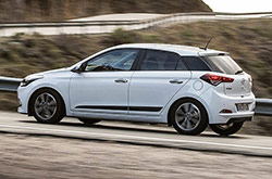 hire a Hyundai i20 Diesel in crete