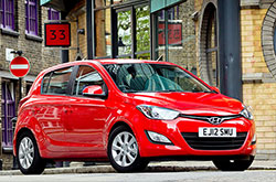 hire a Hyundai i20 Automatic in crete