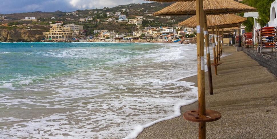 пляжи Агия Пелагия